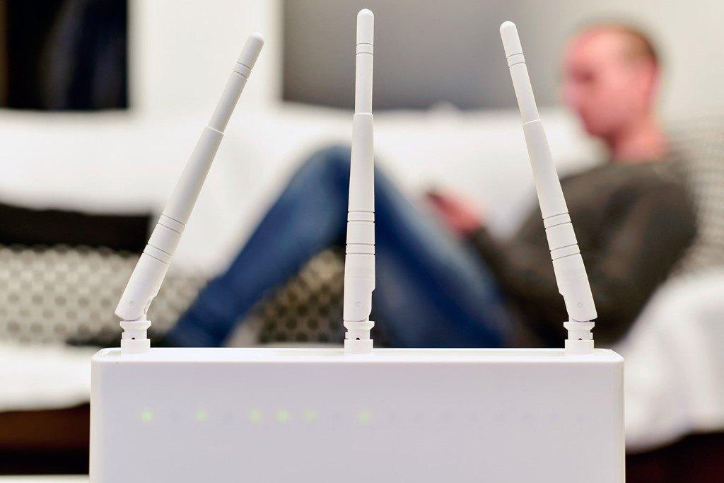 Выбираем лучший из 7 Wi-Fi репитеров: обзор и настройка беспроводных усилителей