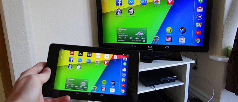 Плнашет подключен к телевизору по WiFi